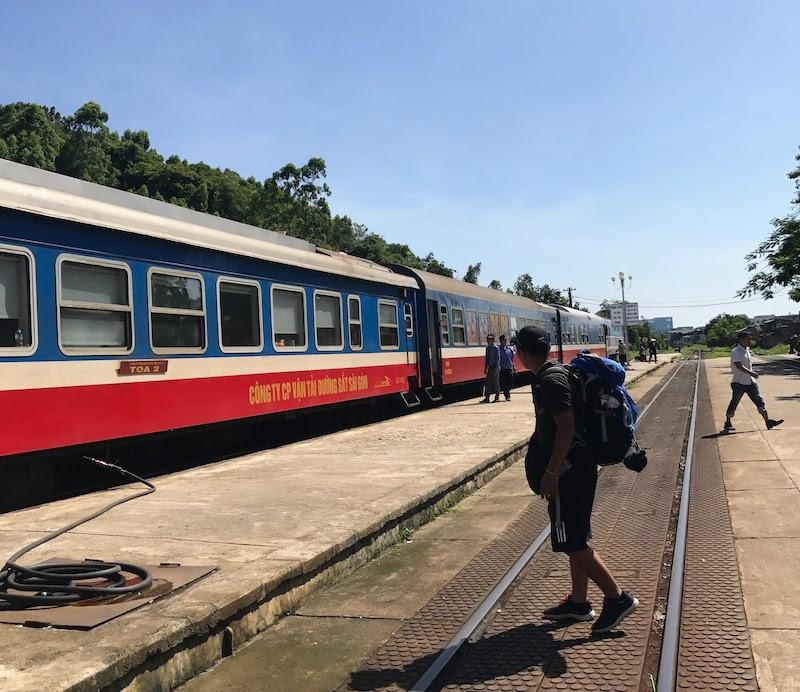 Ga Diêu Trì, cách trung tâm Quy Nhơn khoảng 5km