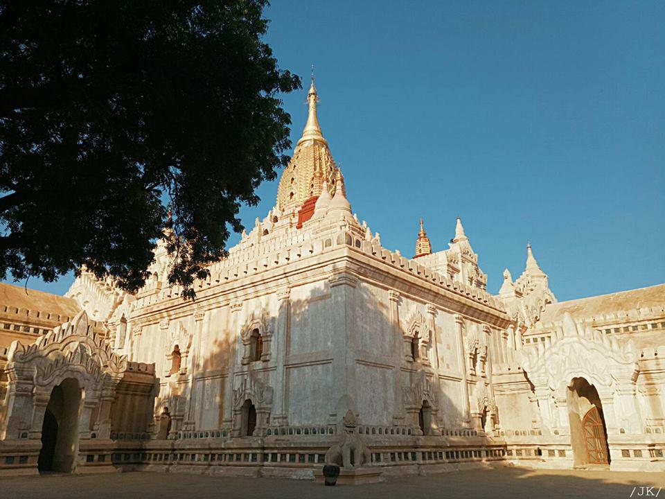 Đền Anada ở Bagan