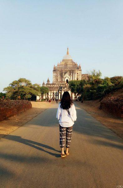 Thatbyinnyu Phaya5 394x600 - Kinh nghiệm du lịch một mình dành cho nữ giới làm sao cho an toàn?