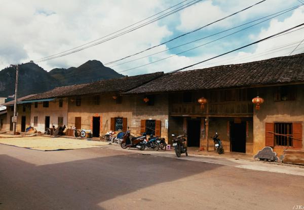 thị trấn Phó Bảng 2 600x416 - Kinh nghiệm du lịch Hà Giang đầy đủ & chi tiết