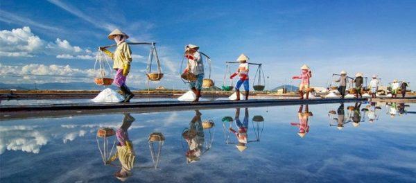 hon khoi 600x264 - Kinh nghiệm du lịch Nha Trang chi tiết: Ăn gì, chơi gì, ở đâu?